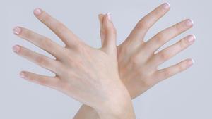 Haut- gribok um den Nagel