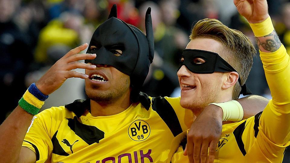 Dortmund nimmt Schalke auseinander