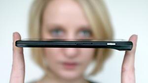 Fußfessel der Angestellten oder nützlich: Das Smartphone.