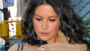 Catherine Zeta-Jones in Klinik