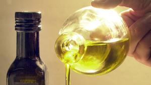 [Bild: fluessiges-farbiges-fett-teures-olivenoe...anscht.jpg]