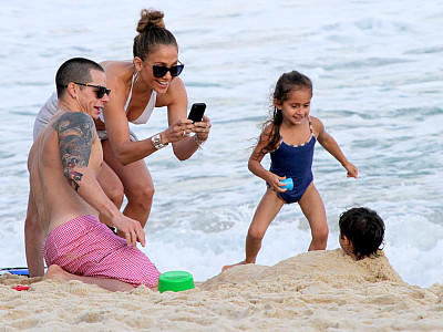 Jennifer Lopez Casper Smart Max Emme am Strand