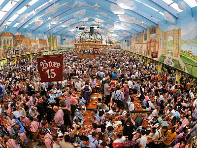 oktoberfest 2014 der ultimative wiesn guide. Black Bedroom Furniture Sets. Home Design Ideas