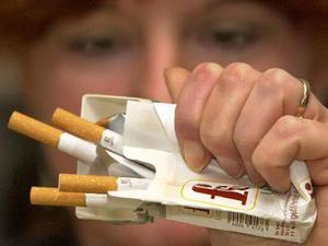 Wie zu zwingen, des Mannes ohne sein Wissen Rauchen aufzugeben